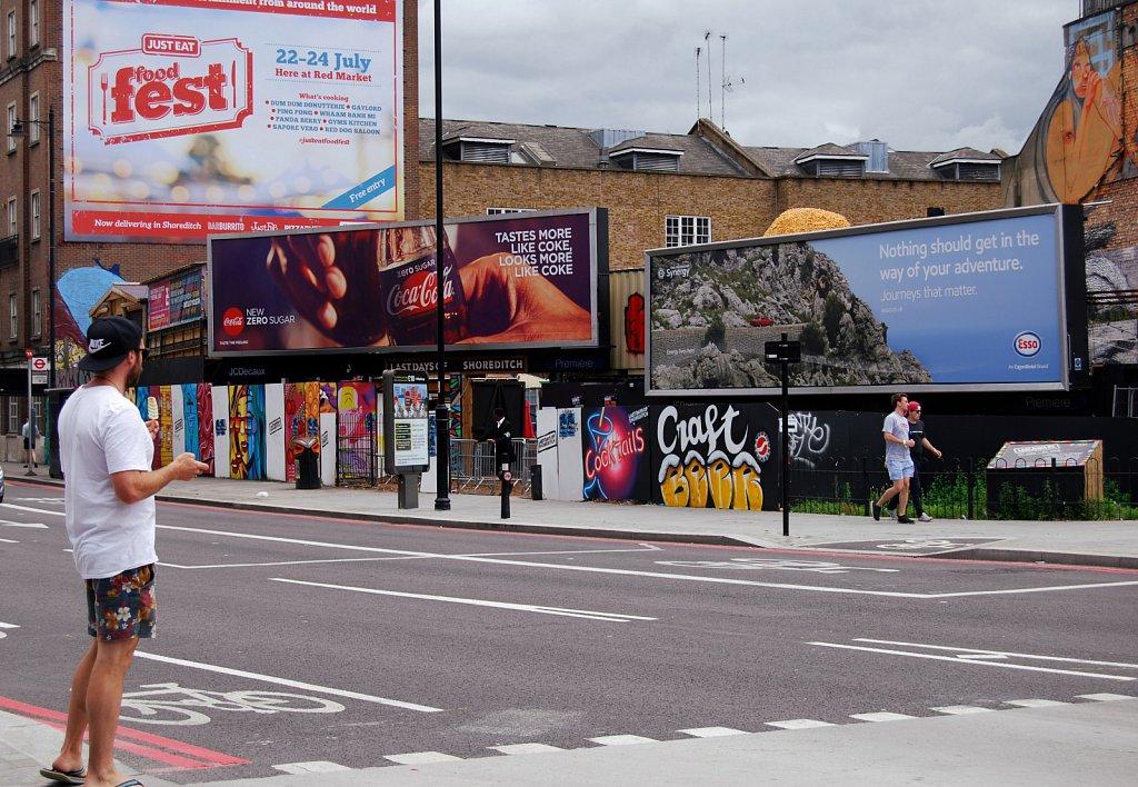 Urban-London-blue-black-colour-10.jpg