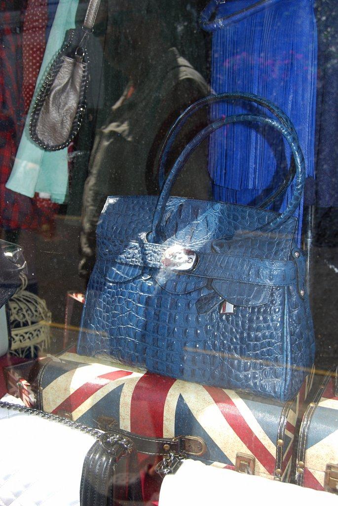 In-a-window-II-London-6.jpg