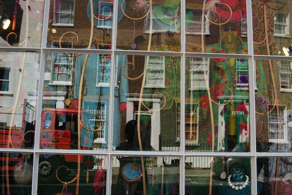 In-a-window-II-London-14.jpg