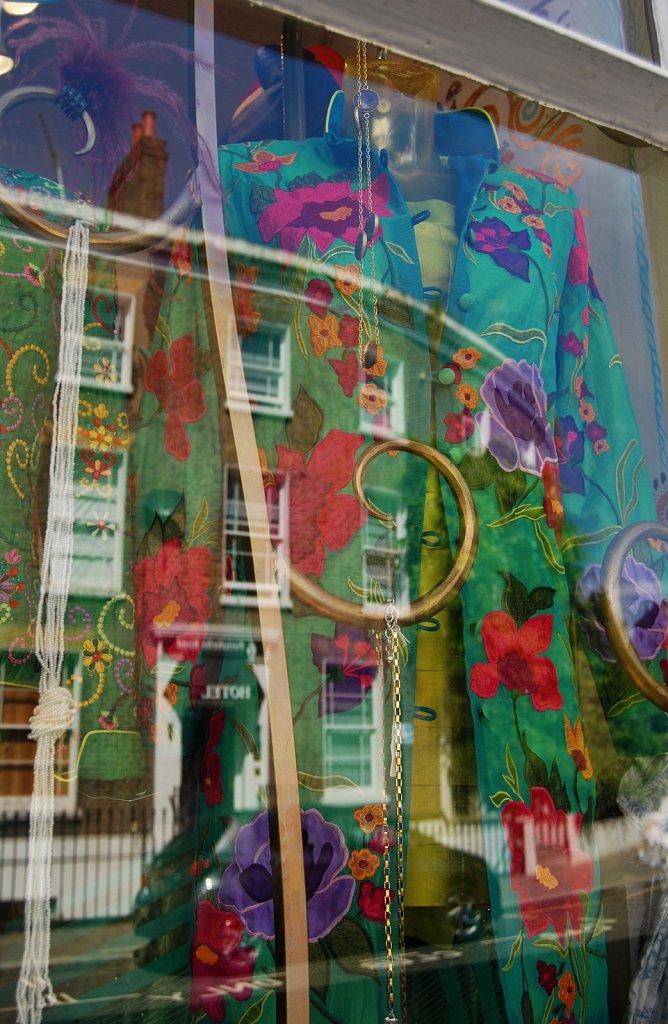In-a-window-II-London-15.jpg