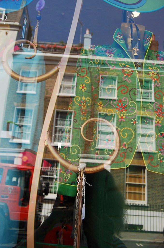 In-a-window-II-London-16.jpg