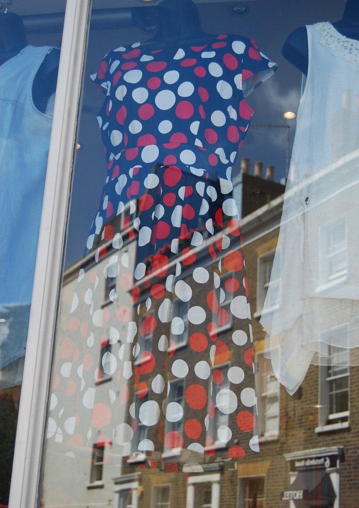In-a-window-II-London-17.jpg